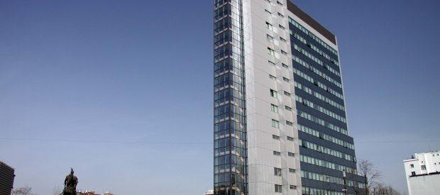 qeveria-ndertesa-foto-ridvan-slivova-01_1474632992-6816252