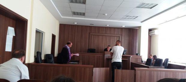 foto nga seanca, 13 gusht, vjedhje e rende.